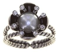 Konplott Petit Fleur de Bloom Ring in dragonfly grau 5450543794044