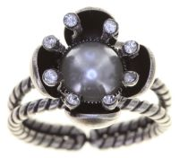 Vorschau: Konplott Petit Fleur de Bloom Ring in dragonfly grau 5450543794044