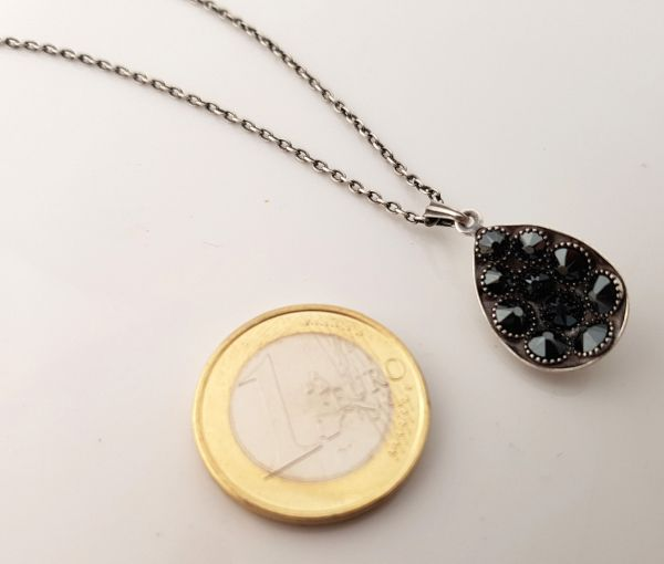 Konplott Tears of Joy Halskette mit Anhänger in schwarz jet hematite Größe M 5450543763156