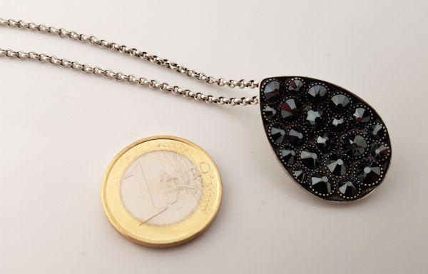 Konplott Tears of Joy Halskette mit Anhänger in schwarz jet hematite Größe L 5450543767475