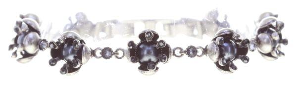 Konplott Petit Fleur de Bloom Armband in schwarz carbon bloom 5450543793535