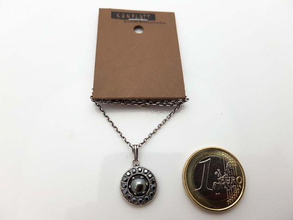 Konplott Simply Beautiful Halskette mit Anhänger in schwarz 5450543779706