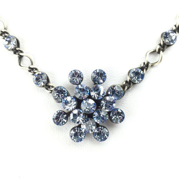 Magic Fireball Halskette steinbesetzt mit Anhänger in light sapphire, hellblau
