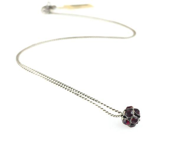 Konplott Disco Balls Halskette in siam rot mit Anhänger Größe S 5450527571494
